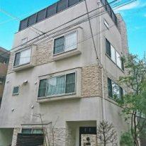 2009年築、4つのロフトやルーフテラスなど細部までこだわった武蔵小山の家